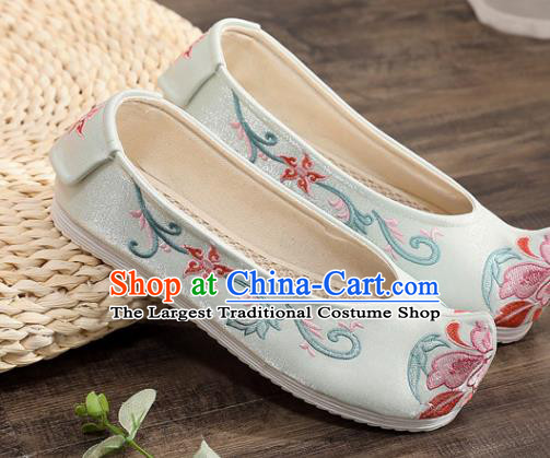 Traditional Chinese Embroidered Light Blue Shoes Handmade Cloth Shoes National Cloth Shoes for Women