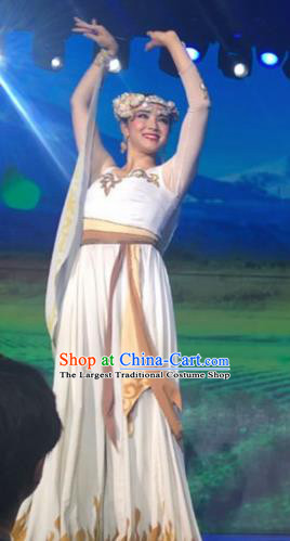 Chinese Silk Road Tajik Nationality Dance White Dress Ethnic Stage Performance Costume for Women