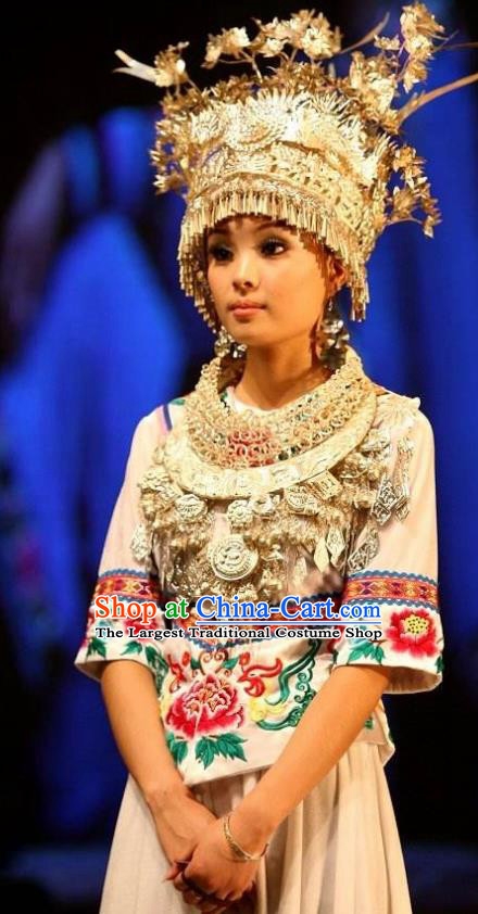 Chinese Charm Xiangxi Miao Nationality Folk Dance White Dress Stage Performance Costume and Headpiece for Women