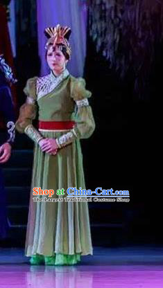 Lady Zhaojun Chinese Mongol Nationality Classical Dance Green Dress Stage Performance Dance Costume and Headpiece for Women