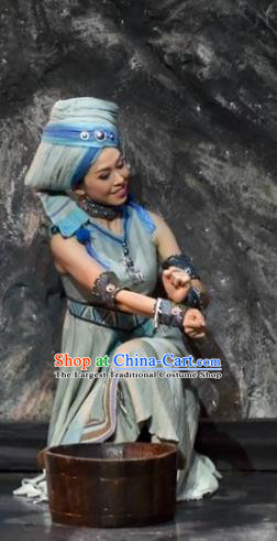 Drama Qian Yun Cliff Chinese Zhuang Nationality Dance Dress Stage Performance Costume and Headpiece for Women