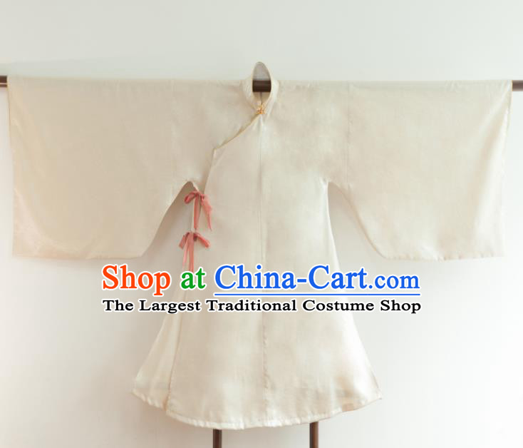 Chinese Ancient Princess Historical Costume Ming Dynasty White Silk Blouse for Women