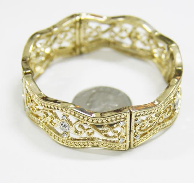 Traditional Egyptian Queen Jewelry Accessories Ancient Egypt Palace Golden Bracelet for Women