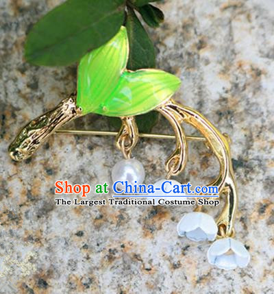 Chinese Traditional Handmade Brooch Classical Accessories Green Leaf Breastpin for Women