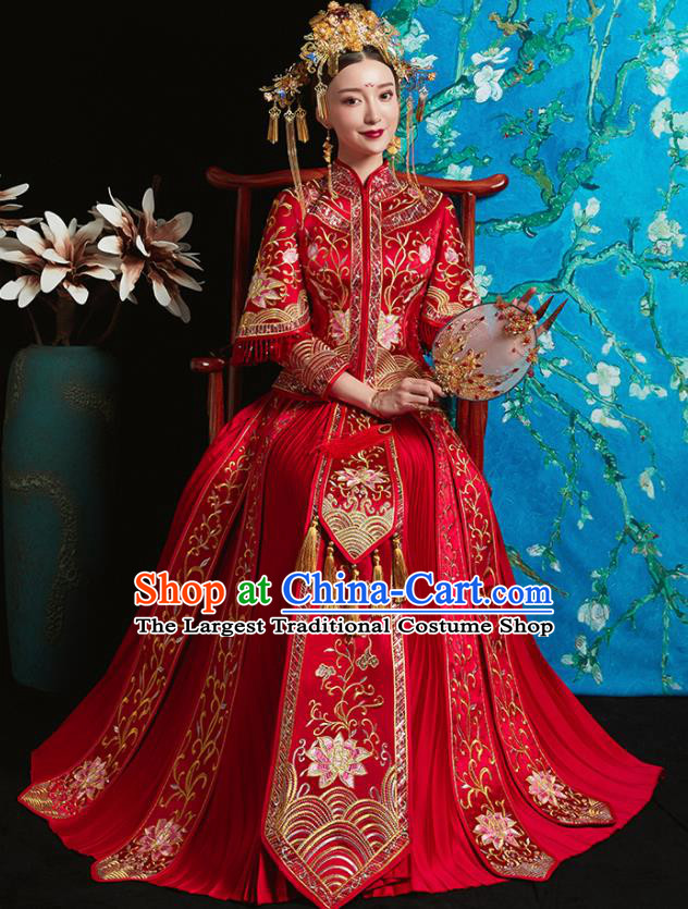 Chinese Traditional Bride Red Xiuhe Suit Ancient Wedding Embroidered Lotus Dress for Women