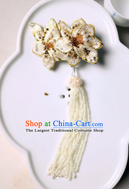 Chinese Traditional Jewelry Accessories Classical Embroidered White Mangnolia Tassel Brooch for Women