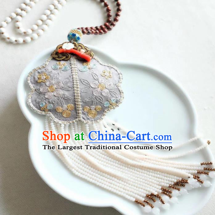 Chinese Traditional Jewelry Accessories Classical Pressure Embroidered Tassel Brooch for Women