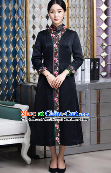 Chinese Traditional Tang Suit Black Silk Dust Coat National Costume Outer Garment for Women