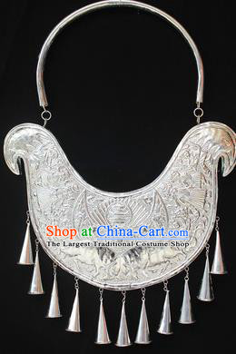 Traditional Chinese Miao Nationality Sliver Carving Butterfly Necklet Hmong Wedding Tassel Necklace for Women