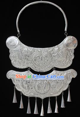 Traditional Chinese Miao Nationality Sliver Necklet Hmong Wedding Carving Butterfly Necklace for Women