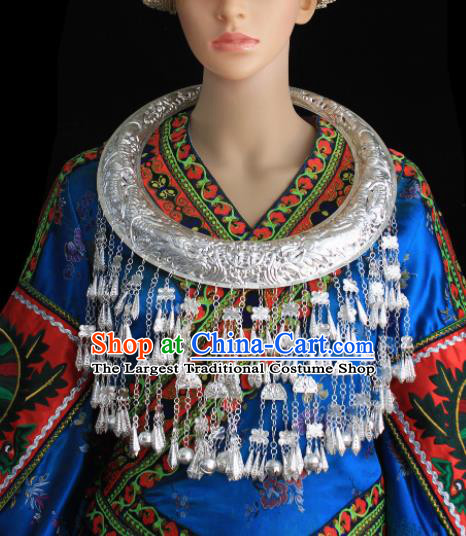 Chinese Traditional Miao Nationality Sliver Tassel Necklace Hmong Wedding Carving Necklet for Women