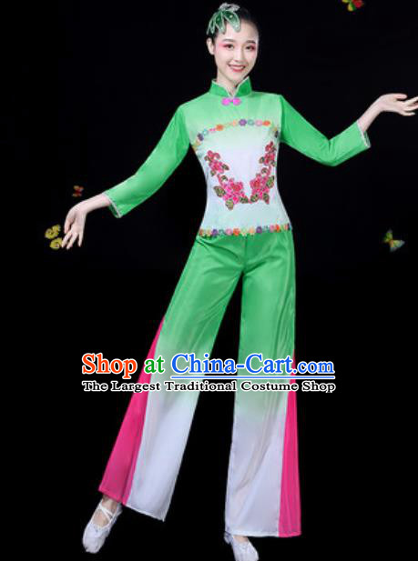 Traditional Chinese Group Dance Yangko Green Clothing Folk Dance Fan Dance Stage Performance Costume for Women