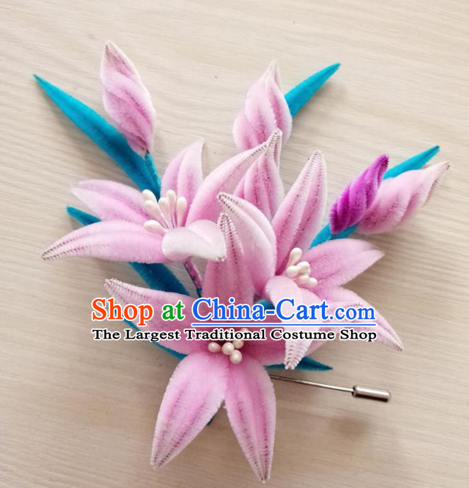 Handmade Chinese Classical Pink Velvet Flowers Brooch Ancient Palace Breastpin for Women