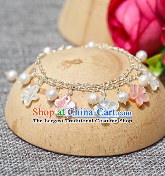 Handmade Chinese Classical Shell Flowers Bracelet Ancient Palace Hanfu Accessories for Women