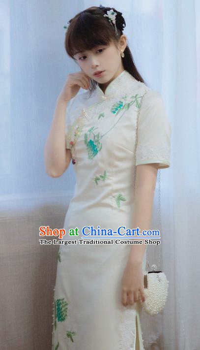 Chinese National Embroidered White Cheongsam Traditional Classical Tang Suit Qipao Dress for Women