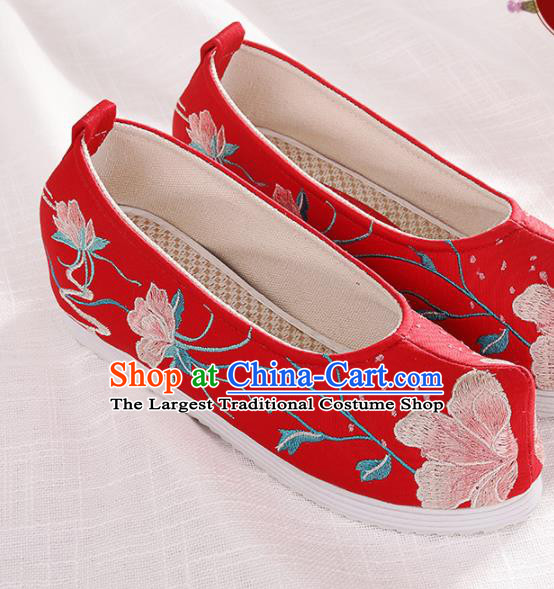 Chinese Traditional Embroidered Peach Blossom Red Shoes Hanfu Cloth Shoes Handmade Ancient Princess Shoes for Women