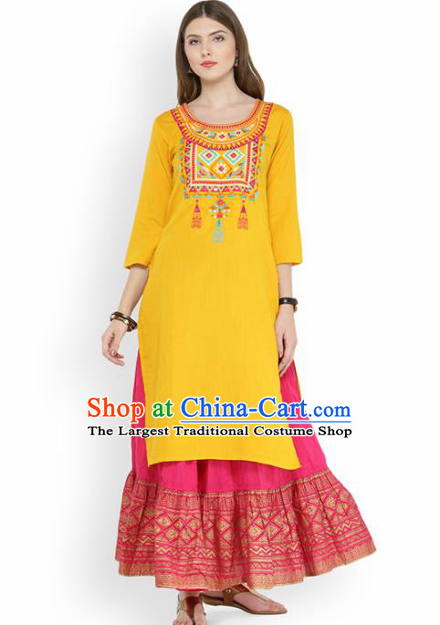 Asian India Traditional Informal Costumes South Asia Indian National Yellow Blouse and Dress for Women