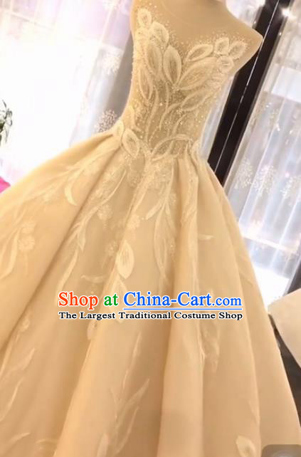 Handmade Customize Embroidered Strapless Trailing Wedding Dress Court Princess Bride Costume for Women