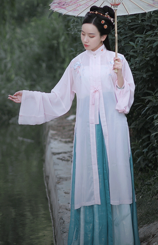 Traditional Chinese Ming Dynasty Young Mistress Hanfu Dress Ancient Nobility Lady Embroidered Historical Costume for Women