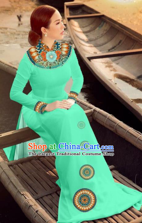 Asian Vietnam Traditional Bride Light Green Dress Vietnamese National Classical Ao Dai Cheongsam for Women