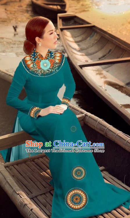 Asian Vietnam Traditional Bride Peacock Green Dress Vietnamese National Classical Ao Dai Cheongsam for Women