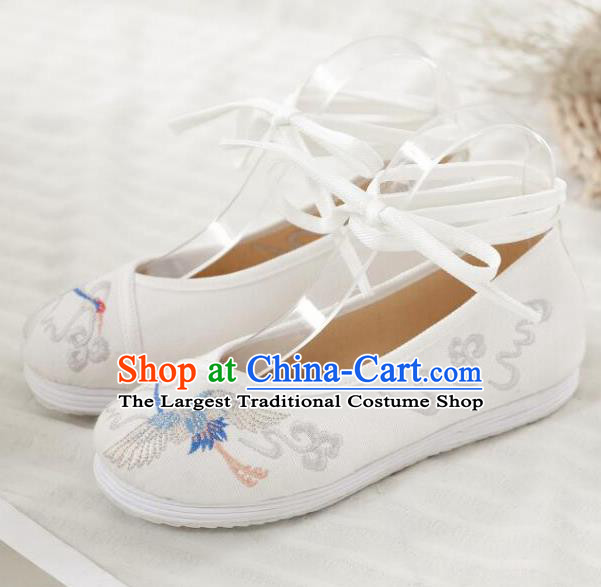 Asian Chinese Classical Dance Embroidered Crane White Shoes Traditional Hanfu Shoes National Cloth Shoes for Women