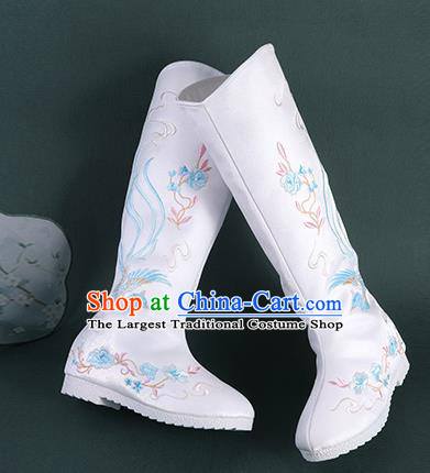 Chinese Handmade Winter Embroidered White High Boots Traditional Hanfu Shoes National Shoes for Women