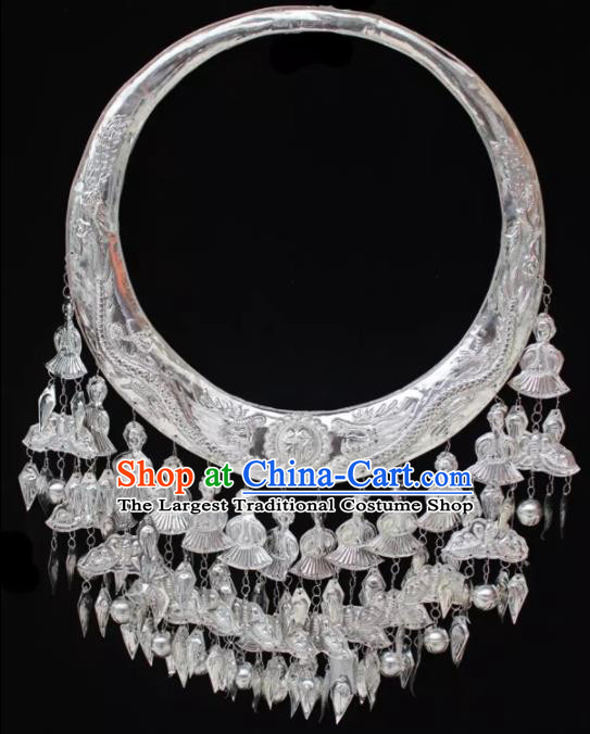 Chinese Handmade Traditional Miao Nationality Silver Carving Dragons Necklace Ethnic Wedding Bride Accessories for Women