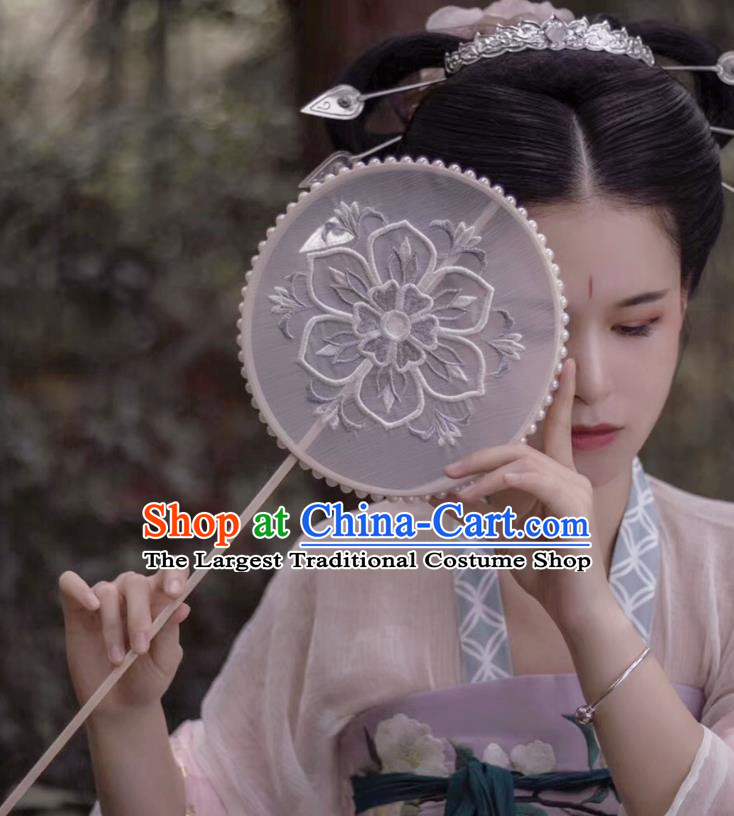 Chinese Classical Wedding Silk Fans Handmade Round Fan Ancient Tang Dynasty Princess Hanfu Embroidered Palace Fan