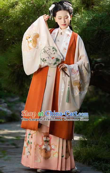 Ancient China Noble Countess Costumes Traditional Ming Dynasty Court Women Embroidered Clothing