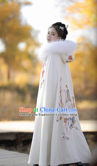 China Ancient Court Princess Historical Clothing Traditional Ming Dynasty Palace Infanta White Woolen Cloak
