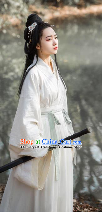 China Traditional Jin Dynasty Female Swordsman Historical Clothing Ancient Noble Beauty White Hanfu Dress