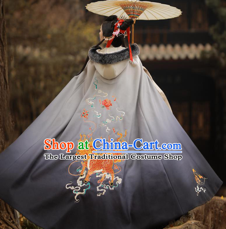 Chinese Ancient Princess Embroidered Kylin Grey Cloak Traditional Ming Dynasty Court Lady Costume for Women