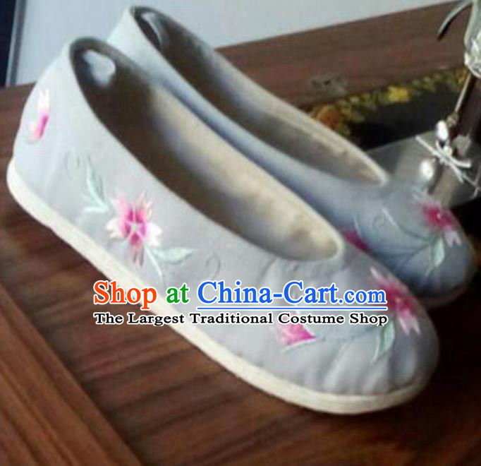 Chinese Traditional Kung Fu Shoes Opera Shoes Hanfu Shoes Grey Embroidered Shoes for Women