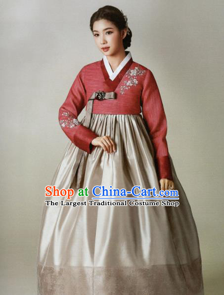 Korean Traditional Hanbok Mother Red Blouse and Grey Satin Dress Outfits Asian Korea Wedding Fashion Costume for Women