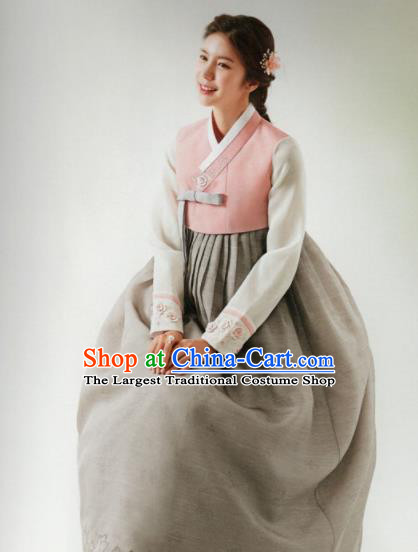 Korean Traditional Hanbok Wedding Mother Pink Blouse and Grey Dress Outfits Asian Korea Fashion Costume for Women