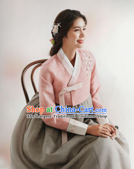 Korean Traditional Hanbok Wedding Mother Embroidered Pink Blouse and Grey Dress Outfits Asian Korea Fashion Costume for Women