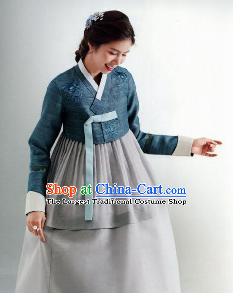 Korean Traditional Hanbok Wedding Mother Navy Blouse and Grey Dress Outfits Asian Korea Fashion Costume for Women