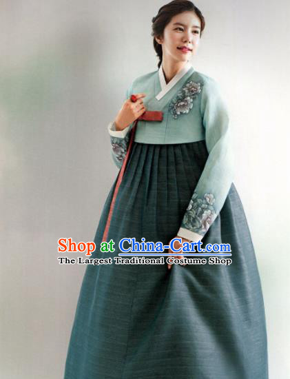 Korean Traditional Hanbok Wedding Mother Green Blouse and Atrovirens Dress Outfits Asian Korea Fashion Costume for Women