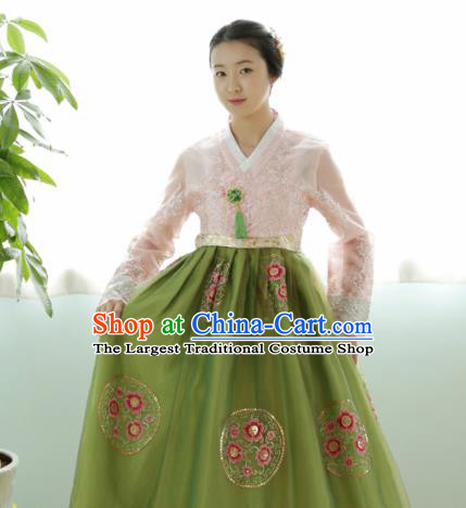 Korean Traditional Court Hanbok Garment Pink Blouse and Green Dress Asian Korea Fashion Costume for Women