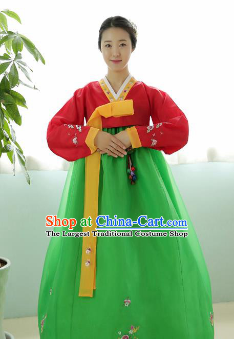 Korean Traditional Court Hanbok Garment Red Blouse and Green Dress Asian Korea Fashion Costume for Women