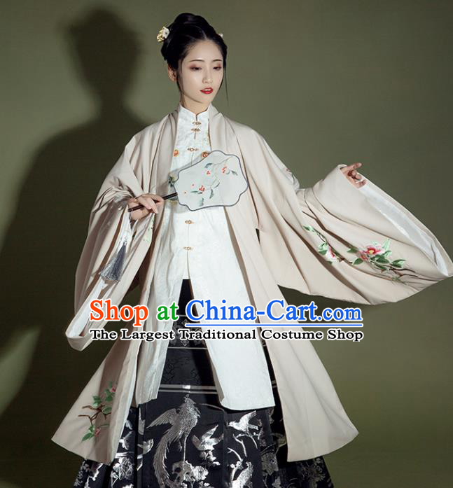 Chinese Ancient Patrician Lady Embroidered Cloak and Dress Traditional Ming Dynasty Royal Infanta Costume for Women