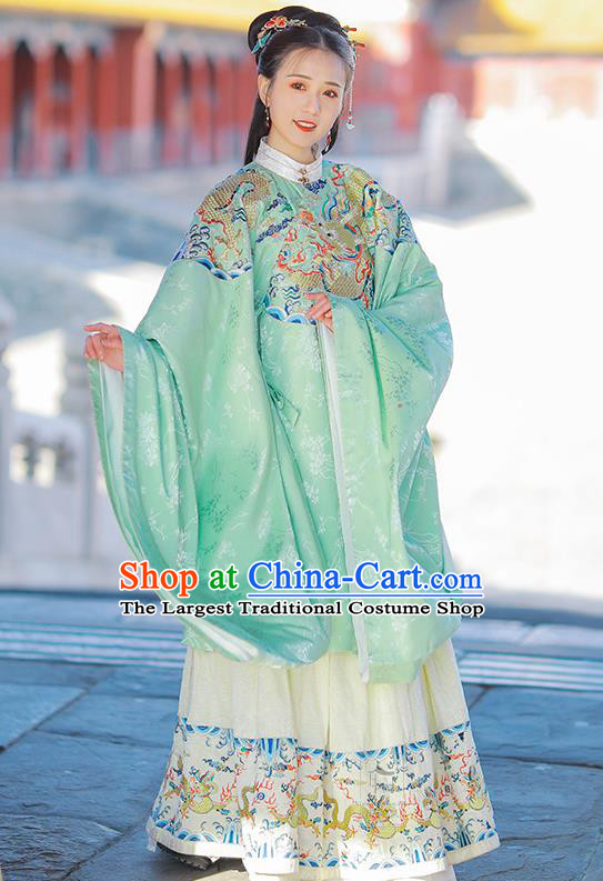 Chinese Ming Dynasty Princess Green Blouse and Skirt Traditional Ancient Court Infanta Costumes for Women