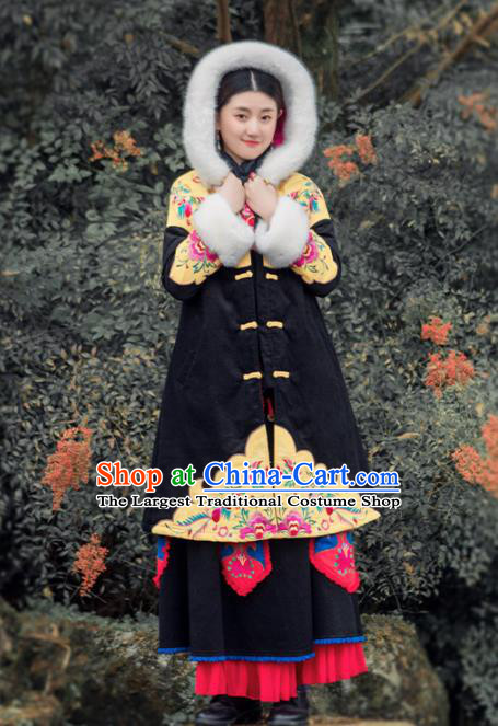 Chinese Traditional Winter Embroidered Cotton Padded Coat National Tang Suit Overcoat Costumes for Women