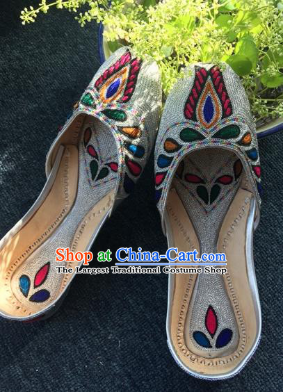 Asian India Traditional Embroidered Argent Leather Shoes Indian Handmade Shoes for Women