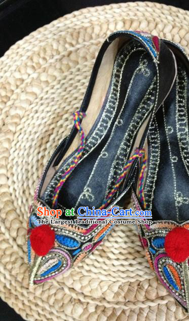 Asian India Traditional Black Leather Shoes Indian Handmade Shoes for Women