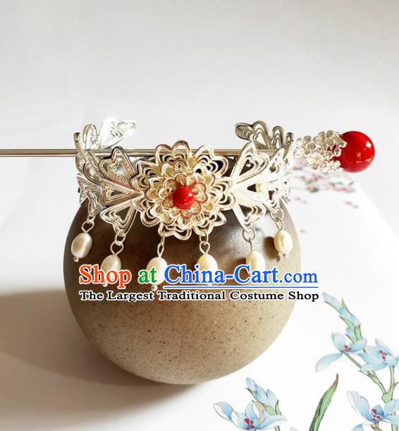 Traditional Chinese Argent Hairdo Crown and Red Bead Hairpin Headdress Ancient Swordsman Hair Accessories for Women