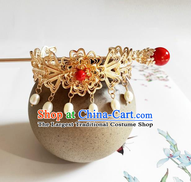 Traditional Chinese Golden Hairdo Crown and Red Bead Hairpin Headdress Ancient Swordsman Hair Accessories for Women