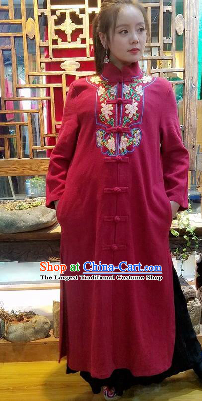 Traditional Chinese Embroidered Red Dust Coat Handmade National Overcoat Costume for Women