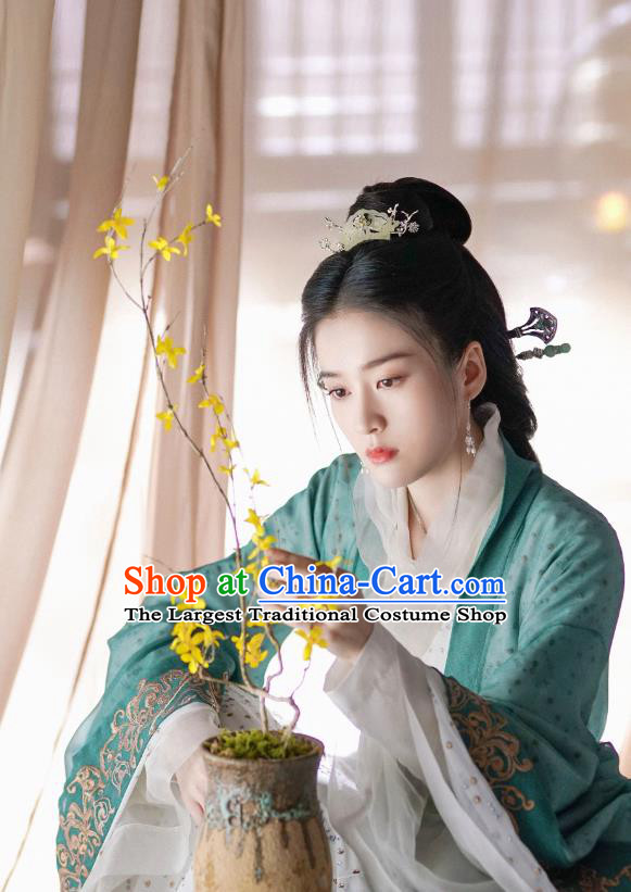 Chinese Drama Princess Silver Ancient Palace Princess Rong Le Historical Costume and Headpiece for Women